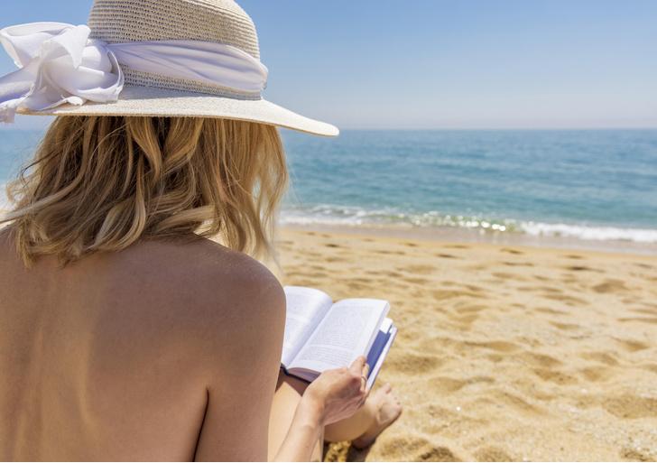 Фото №1 - На пляж как на праздник! Почему иностранки смеются над русскими женщинами?