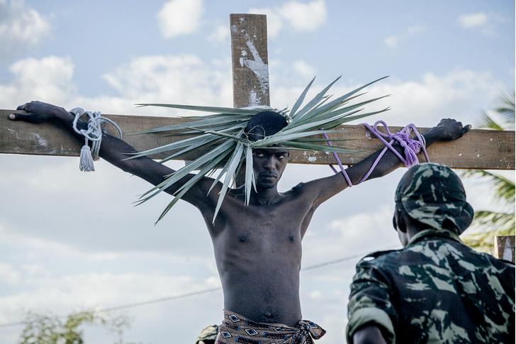 Фото №8 - И в Африке Пасха: мистерия «Крестный путь» в Мозамбике