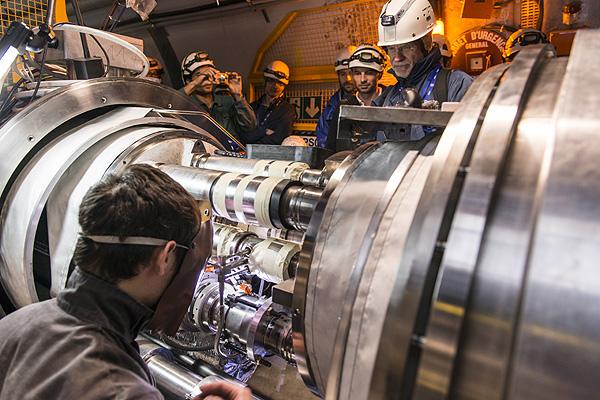 Фото №3 - Крупнейший на планете адронный коллайдер закрыт на модернизацию. А что будет после открытия?