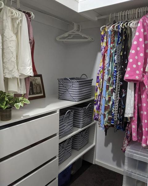 Фото №4 - 10 простых и клевых способов навести порядок в шкафу