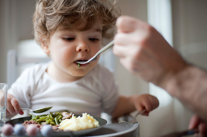 Фото №1 - Застольные стереотипы: правильное пищевое поведение с пеленок