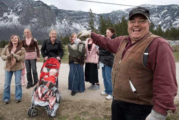 Фото №1 - Канадца признали виновным в полигамии: у него 24 жены и 149 детей