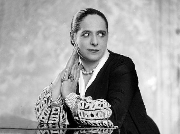 Фото №1 - Как Элена Рубинштейн построила карьеру на мамином креме