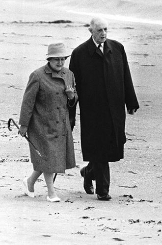 Фото №6 - Первые леди Франции: от Ивонны де Голль до Карлы Бруни-Саркози