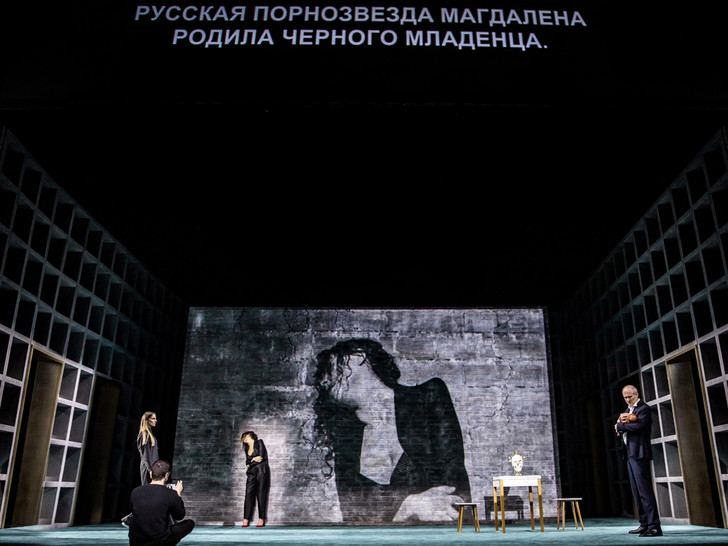 Фото №2 - 5 причин посмотреть спектакль «Бесы Достоевского» Константина Богомолова