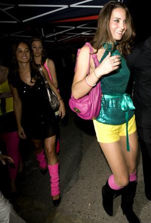 Фото №6 - Противостояние: почему принцессы Беатрис и Евгения не любят Пиппу Миддлтон