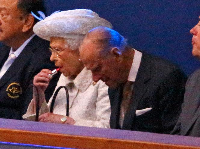Фото №33 - Королева и помада: история одной бьюти-страсти Елизаветы II