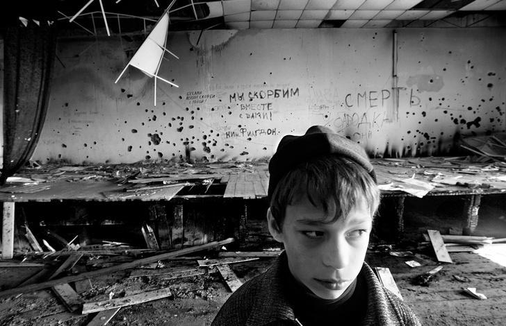 Фото №2 - «В 9 лет не будешь думать, что кто-то хочет убить тебя»: что стало с выжившими школьниками Беслана