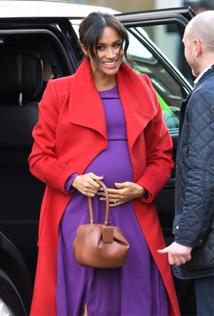 Фото №4 - Как Меган привлекает внимание к своей беременности: все стильные уловки герцогини