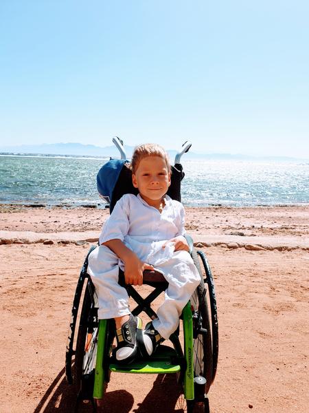 Фото №3 - «Не было выбора рожать или нет»: директор фонда «Спина Бифида» рассказала о помощи детям с патологией спинного мозга