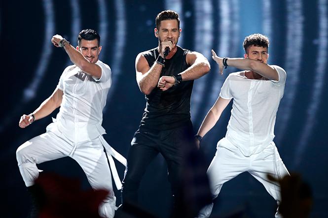 Фото №7 - Евровидение-2017: 5 лучших живых выступлений финала без политики