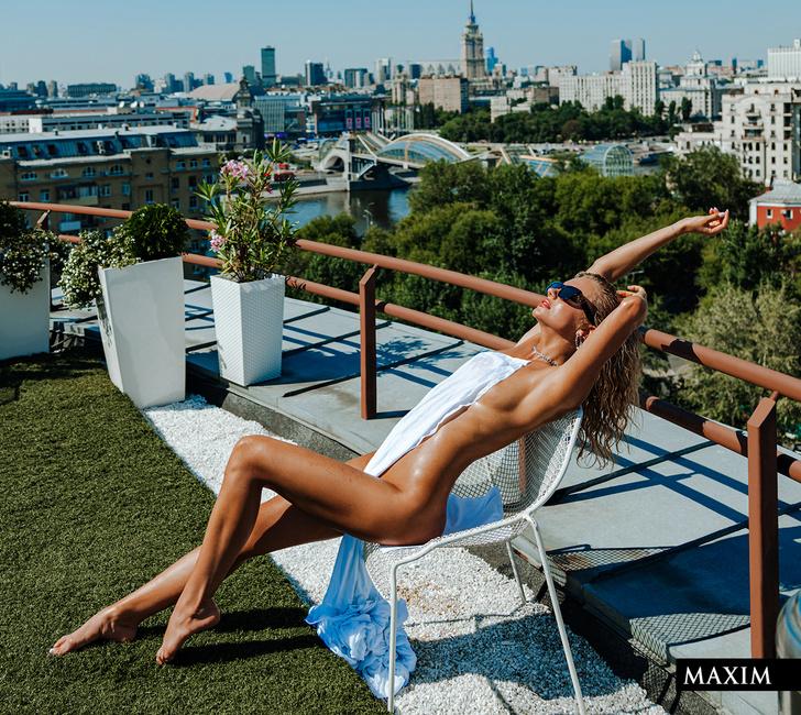 Фото №3 - Девушка над городом. Фотосессия актрисы и блогерши Кати Шкуро для MAXIM