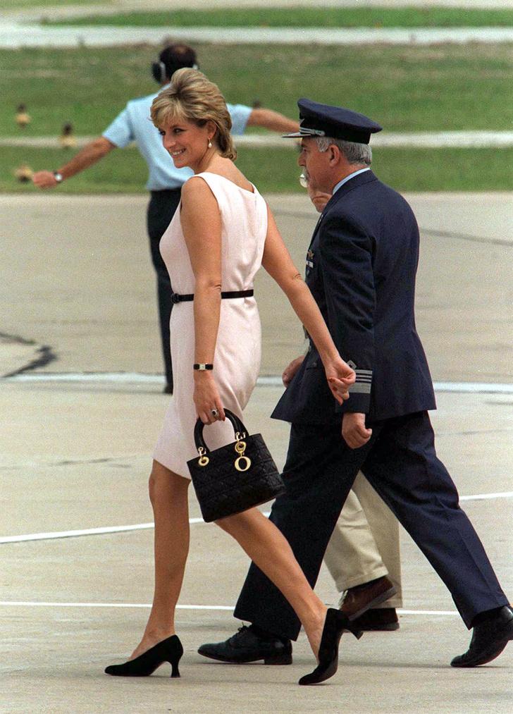 Фото №2 - История одной сумки: Lady Dior и ее связь с леди Ди