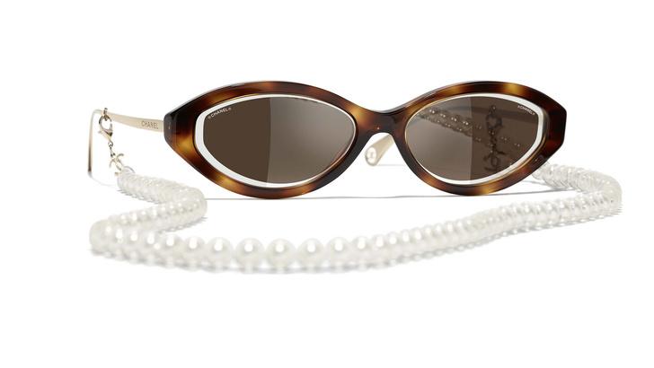 Фото №2 - За глаза: солнцезащитные очки для города и отпуска