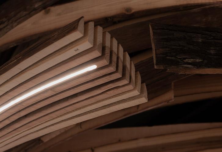 Фото №5 - «Вихрь» из кедровых панелей в ресторане Embers