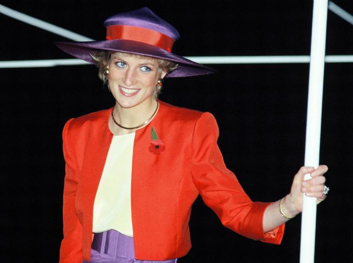 Фото №1 - Диана в Гонконге: наряды самого яркого королевского тура 80-х