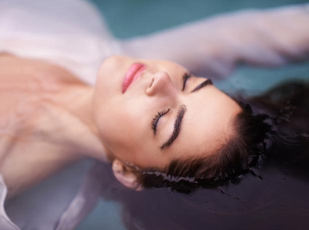 Фото №2 - Жара, жара: как сделать летний макияж более стойким