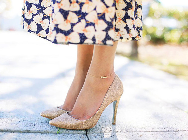 Фото №1 - Браслет на ногу: зачем и как его носить