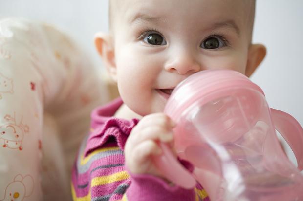 Надо ли давать воду новорожденному на грудном вскармливании