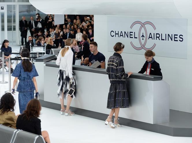 Фото №1 - Неделя моды в Париже: показ Chanel