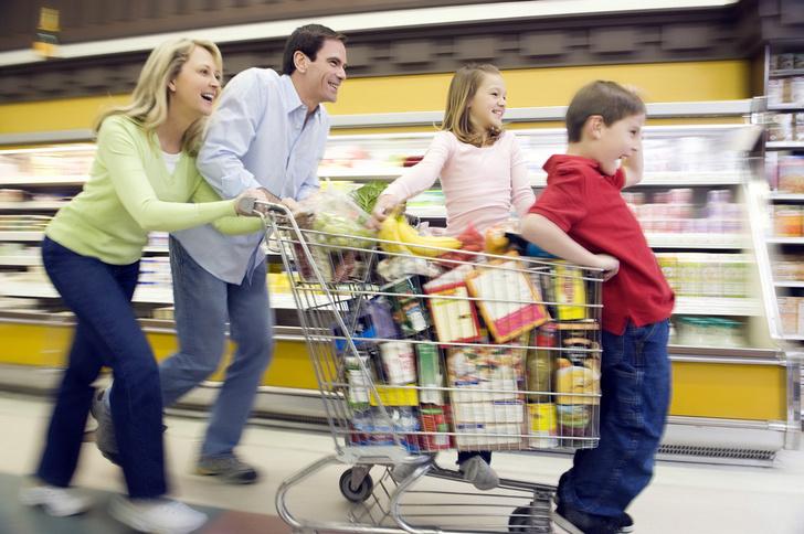 Фото №1 - Удивительно, какой вес выдерживает обычная тележка из супермаркета