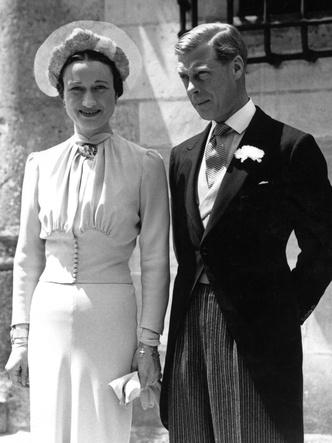 Фото №3 - Брачный конфуз: 7 неприятностей, случившихся на королевских свадьбах