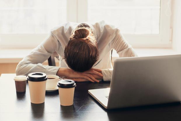 Фото №2 - Хватит это терпеть! Что принять, чтобы обезопасить себя от перенапряжения?