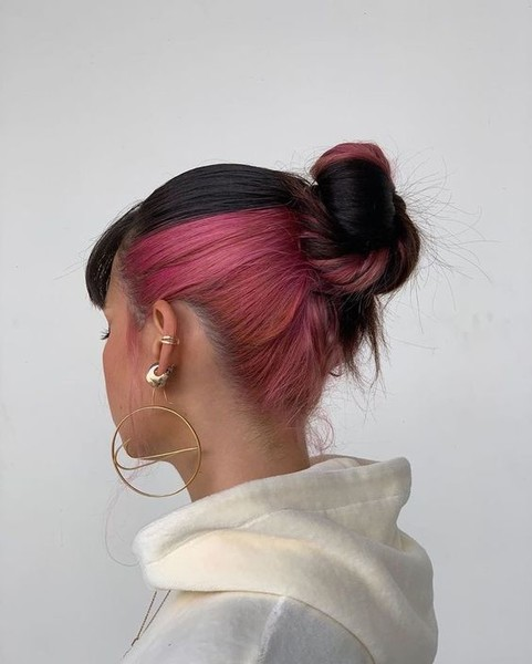 Фото №2 - Hidden Color: как сделать яркое окрашивание волос, с которым можно даже в школу