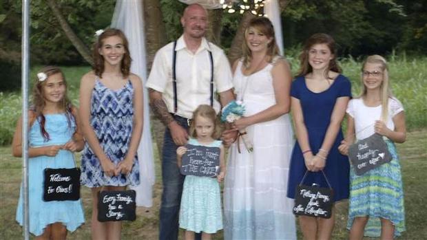Фото №2 - Гениально! Отец пяти дочерей написал правила для их поклонников