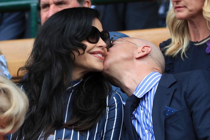 Фото №3 - Что нужно знать о любимой женщине самого богатого человека на планете?