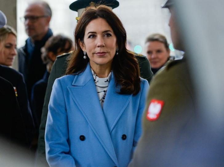 Фото №2 - В ожидании трона: как «датская Кейт Миддлтон» готовится стать королевой