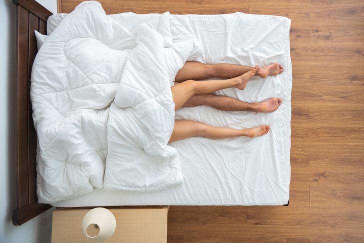 Фото №2 - Как заниматься сексом, если живешь с родителями 😳