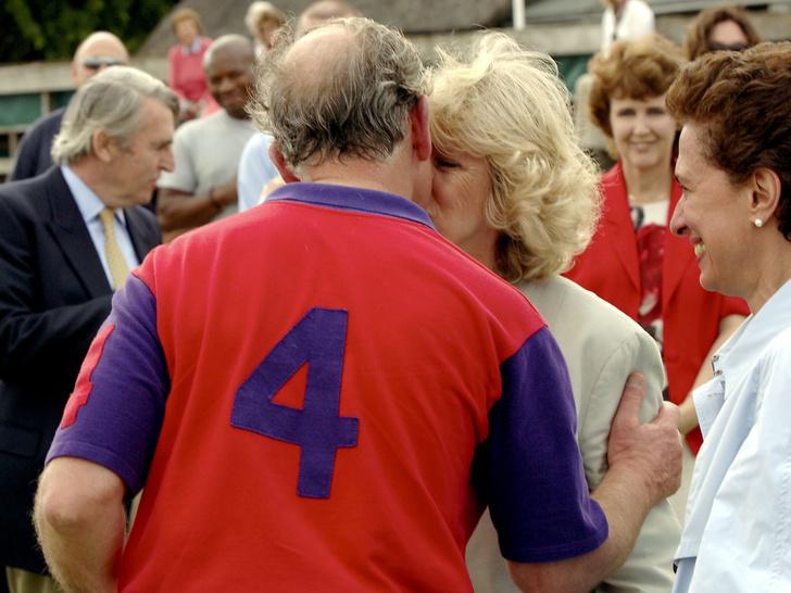 Фото №12 - Любовь сквозь годы: 20 самых трогательных фото принца Чарльза и герцогини Камиллы