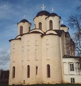 Фото №1 - В Новгороде нашли фрагменты фресок XII века