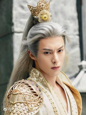 Фото №3 - Самые красивые китайские актеры 👼🏻