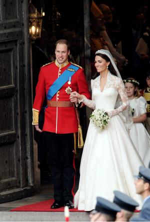 Фото №6 - Трагедия для невесты: почему герцогиня Кейт плакала из-за своего свадебного платья