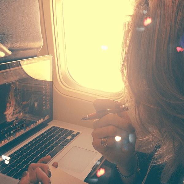 Фото №27 - Звездный Instagram: Знаменитости и самолеты
