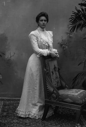Фото №3 - Свекровь Ее Величества: Елизавета II и ее особые отношения с матерью принца Филиппа