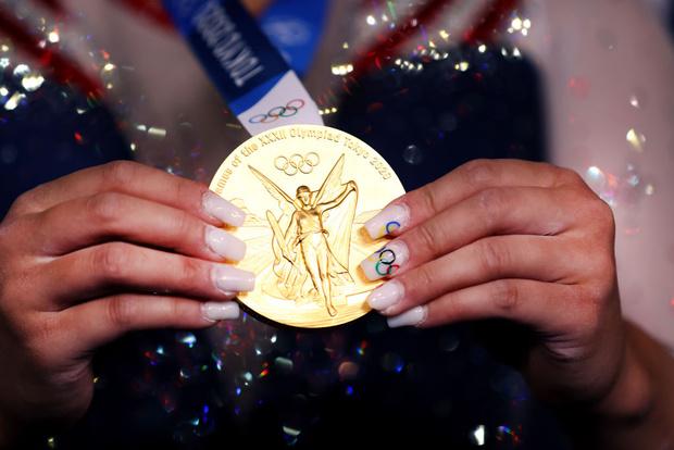 Фото №2 - Маникюр олимпийских чемпионок: 7 ярких идей
