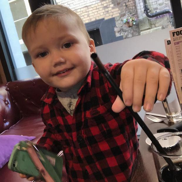 Фото №1 - Что вытворяет дома самый непослушный ребенок Британии: 10 фото