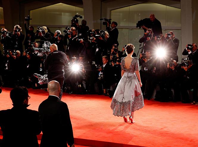 Фото №11 - Образ дня: Кристен Стюарт на премьере фильма «Равные»