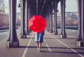 Одиночество в наследство. Как отношения с родителями в детстве влияют на нашу жизнь