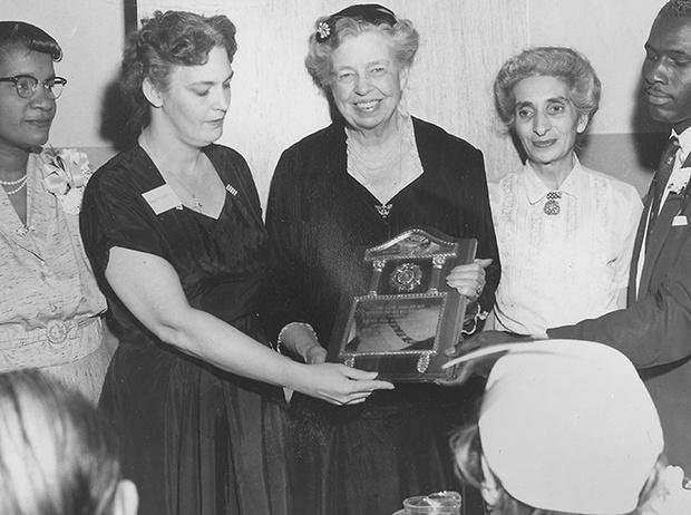 Фото №27 - Есть ли жизнь после Белого дома: чем (обычно) занимаются бывшие первые леди США