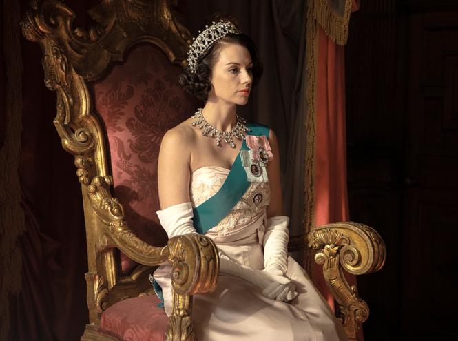 Фото №3 - Символ Елизаветы: образ британской королевы в кино и сериалах