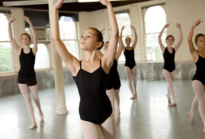 Фото №1 - Зачем нужно обязательно отдать ребенка на балет