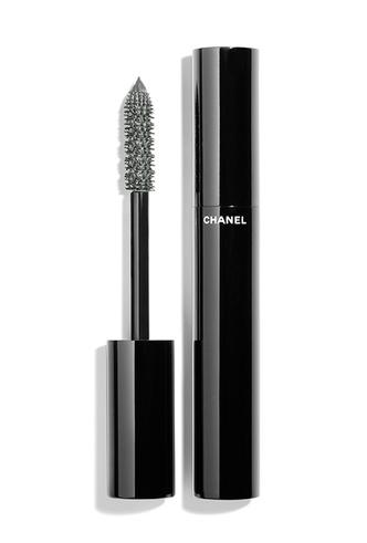 Фото №3 - Меняем цвет на свет: тонкости летнего макияжа от Chanel