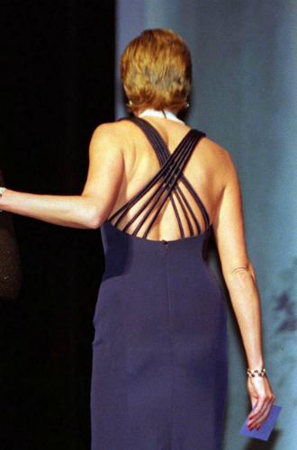 Фото №18 - Модная провокация: самые откровенные наряды принцессы Дианы