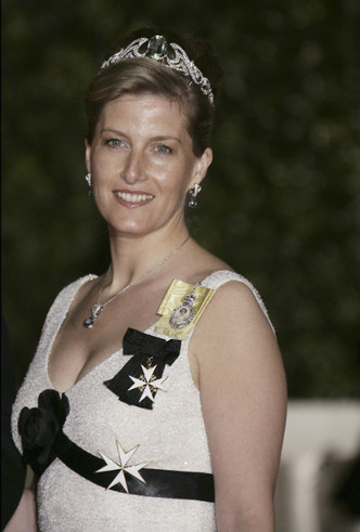 Фото №8 - Аквамарины и бриллианты: любимые тиары Софи Уэссекской