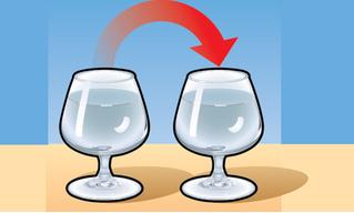 Простой фокус с двумя бокалами