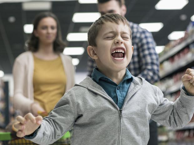 Фото №4 - Игнорирование или уговоры: как правильно реагировать на детские истерики
